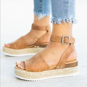 Shoes - 🔥SALE!⭐️💕Espadrille Tan Wedge Flat!